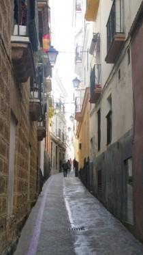 Narrow streets of Cadiz