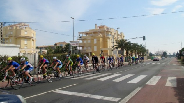 The road to Denia is popular with many cyclists