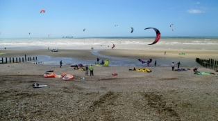 Kite Surfing at Broomhill Sands