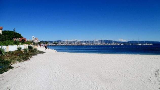 Beach on the east side of Presqu'ile de Giens