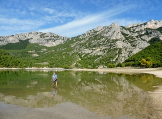 Taking a paddle in the Lac de Ste-Croix